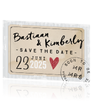 Save the Date kaart met papierlook typografie en hartje
