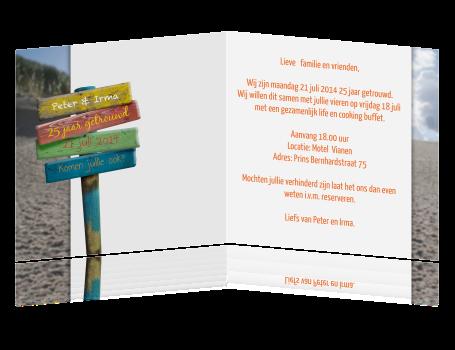 25 jarig huwelijk kaarten maken Uitnodiging 25 jaar getrouwd met strand en wegwijzer 25 jarig huwelijk kaarten maken
