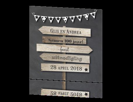 samen 100 jaar Uitnodiging samen 100 jaar met wegwijzers hout & krijtbord samen 100 jaar